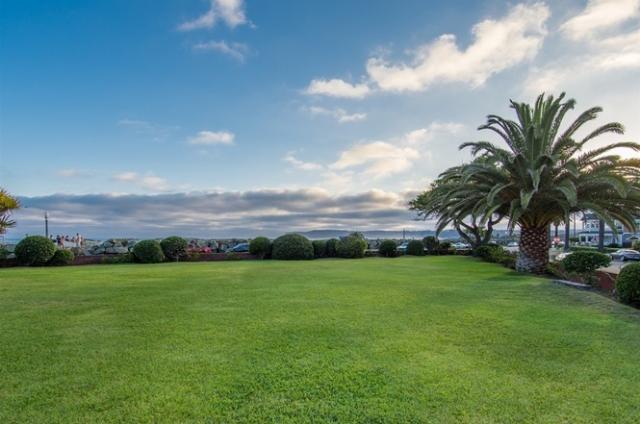 519 Ocean Blvd Coronado Home For Sale Front Lawn 2