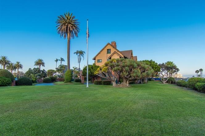 519 Ocean Blvd Coronado Home For Sale Front Lawn