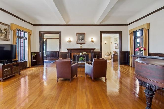 519 Ocean Blvd Coronado Home For Sale Living Room 2