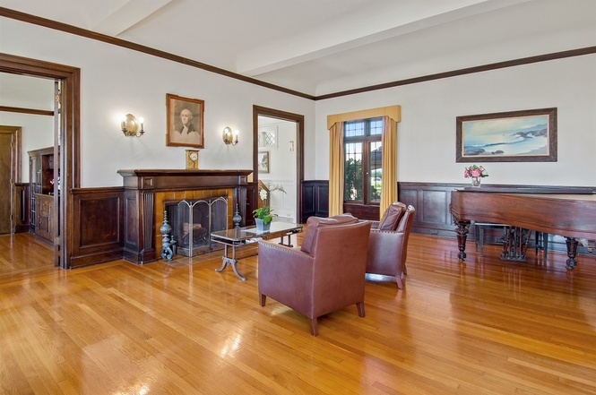519 Ocean Blvd Coronado Home For Sale Living Room